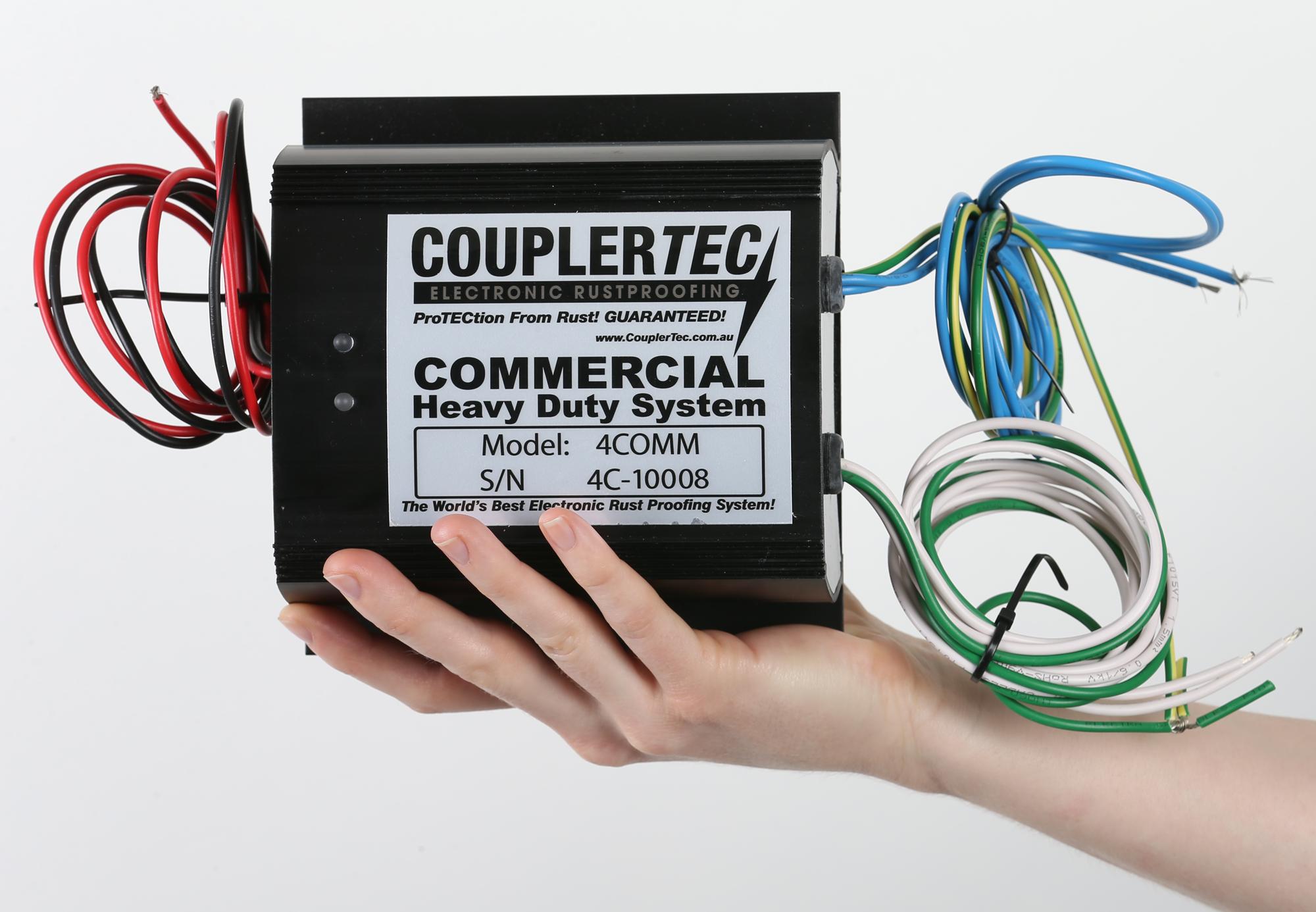 gospodarska vozila s sistemom CouplerTec so brez rje